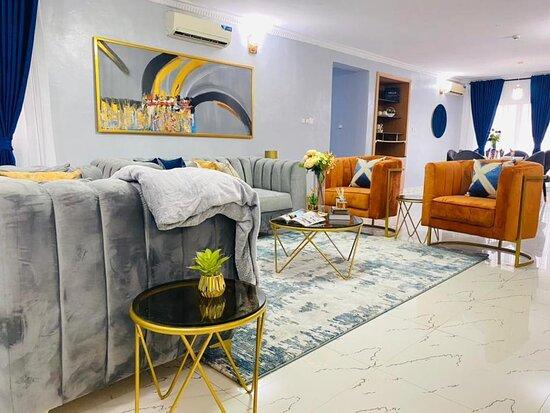 Lekki, ניגריה: 3 bedroom duplex available for shortlet.   Location; Lekki  Price; 100k/night  Bookings; 08114936968 (call/whatsapp)