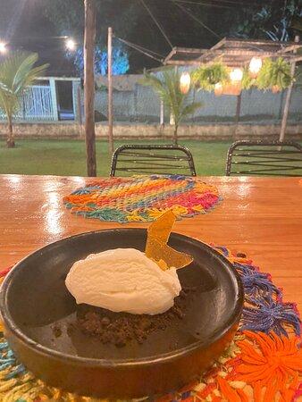 Sorvete de tapioca com farofa e leve gosto de Menta!