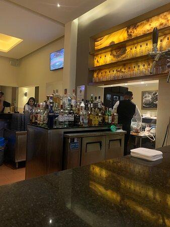 Lobby bar, bartenders, meseros, restaurantes