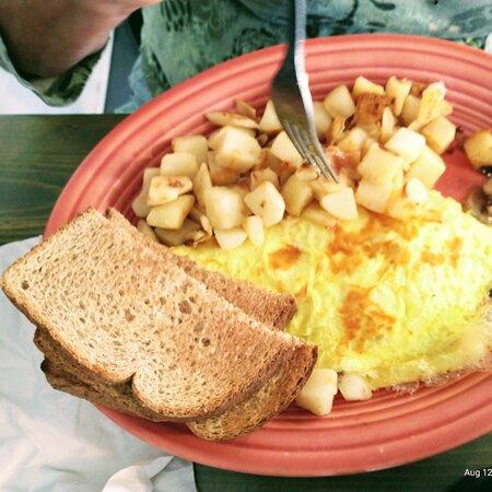 scrambled eggs and Fried Potatoes