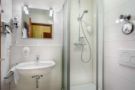 Bathroom Superior room_TOP acora Hotel und Wohnen Karlsruhe