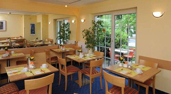 Breakfast TOP acora Hotel Dusseldorf