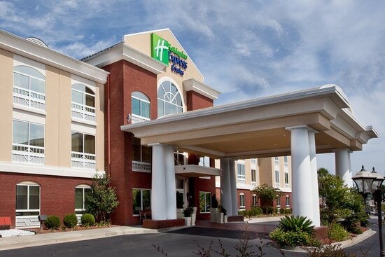 Holiday Inn Express & Suites Sumter, an IHG hotel