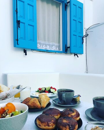 #breakfast at #Takis #naxos #cyclades #greece  #takisguests #takisexperience