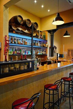 Unsere Bar, zum trinken, essen und unterhalten