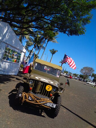 Noumea, Yeni Kaledonya: ╭🔶  🅰MERICAN 🅹EEP 🅰RMY 🅲LUB 🅴XHIBIT - 🆄🆂 War Memorial 🔶╮ Nouméa City - New Caledonia.
