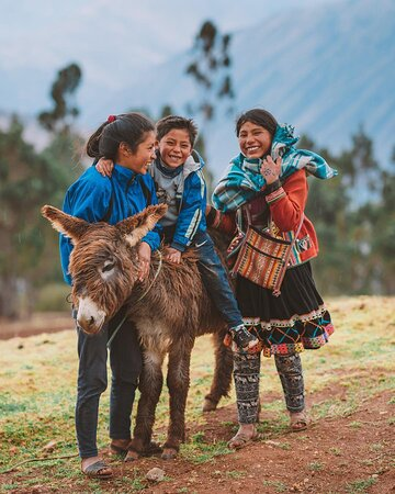 """Perú: Solpayki!❤️ This is in Quechua, the ancient language of the Incas and means """"thank you"""".🇵🇪 You can use this word when you interact with locals and you'll immediately get a smile back from them.🤗#ExploorPeru"""