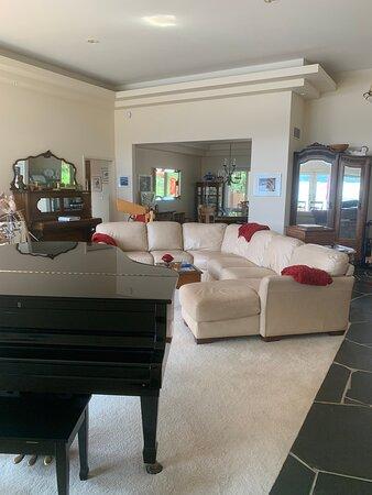 Dover, ID: Use of livingroom