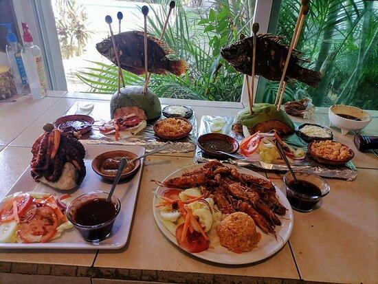 Coyuca de Benitez, Mexico: La Mojarra Voladora especialidad del Hotel  Posada Zaira del Mar.