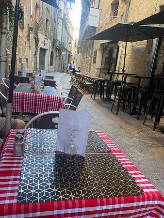 Montpellier, Francia: N'hésitez pas à réserver