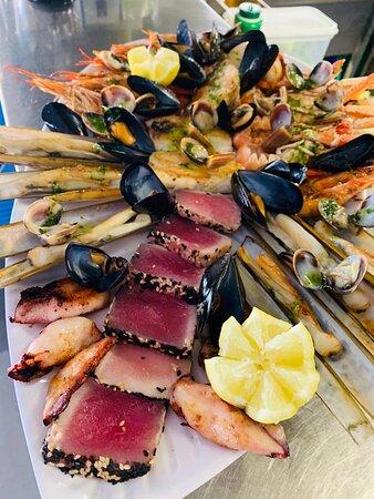 Cocina mediterránea arroces de pulpo y cangrejo azul