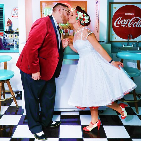 The Doo Wop Diner is perfect for 50's style weddings and receptions. Ask about our menu options!