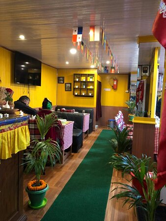 Darjeeling, Hindistan: Utsav biryani house  Book your cabin  7602299602