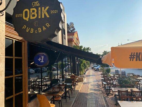 QBIK PUB & BAR - EXTERIOR