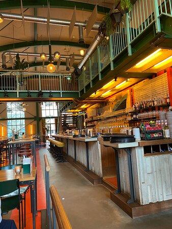 De grote bar van IJver
