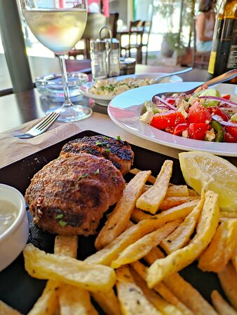Μερικά από τα πιάτα του εστιατορίου ΑΝΤΊΚΑ