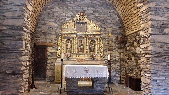 Santuario de Canòlich. Altar y retablo