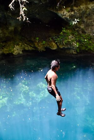 Toegangsbewijs voor Cenotes Zapote EcoPark: jumping off the cliff