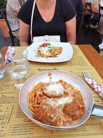 The (un)real Italian experience