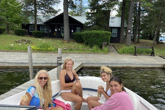Tour Boat Lake George at Blue Lagoon Resort