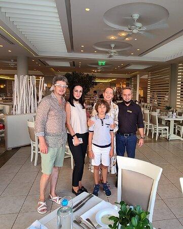 Poseydon, Kostas, Tamara & Co