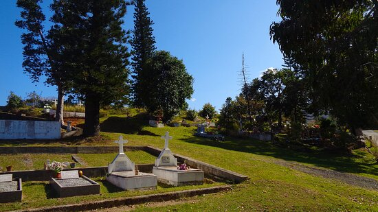 Le Mont-Dore, Yeni Kaledonya: ▫ ▪ ◈   ST LOUIS TRIBE CEMETERY  ◈ ▪ ▫ NEW CALEDONIAN Historicall  Heritage ▫ Mont-Dore ⚆