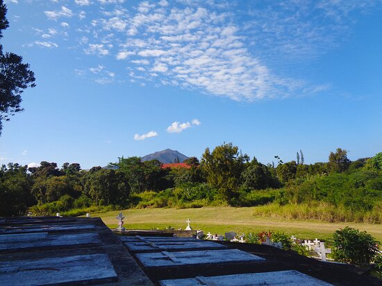 Le Mont-Dore, Yeni Kaledonya: ╭◈   ST LOUIS TRIBE CEMETERY  ◈╮ ▪ ▫ NEW CALEDONIAN Historical  Heritage ▫ Mont-Dore ⚆