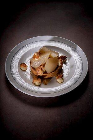 Tartelette poire-amandes et touche de jasmin