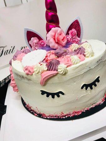 Layer cake Licorne rose framboisier