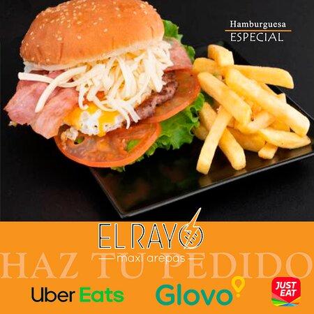 Decidido a romper la rutina? Hoy es el día, #elrayomaxiarepas te presenta nuestra hamburguesa especial.  Te esperamos.