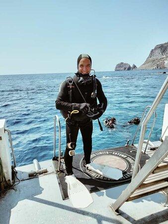 Fase pre immersione sul Nettuno II alle Formiche di Ponza. Bellissima immersione adatta a tutti i livelli di certificazione.