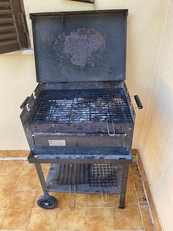 le fameux BBQ ... ça donne envie d'une grillade, pas vrai ? (il restait encore quelques petits morceaux de viande ...)