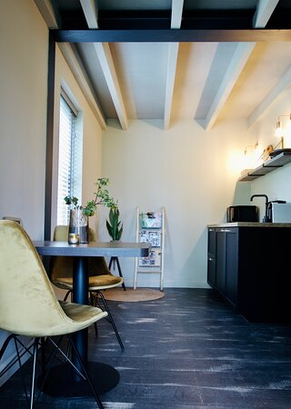 Each studio is equipped with fridge, microwave, Nespresso, water cooker, seating area en couch, Smart-tv, airconditioning, free WIFI, free parking space, private entrance, private terrace.