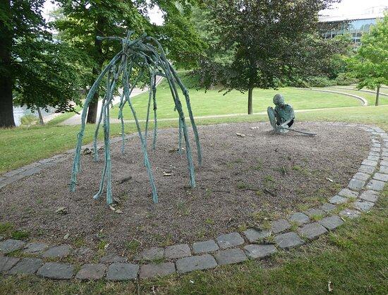 Skulpturen Av Tiden Flätar Jag En Plats