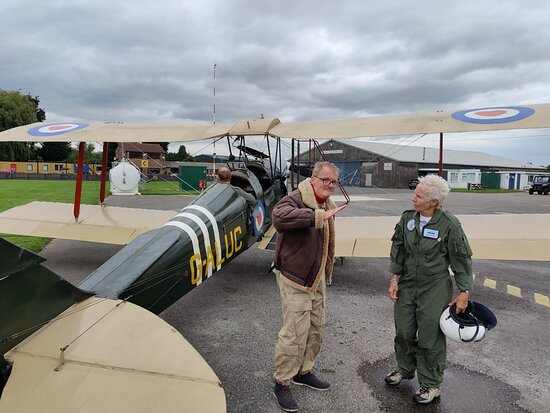 Discussing the flight with bround crew after landing