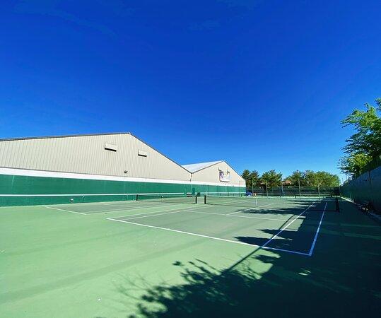 אוונסוויל, אינדיאנה: Outdoor Tennis Courts