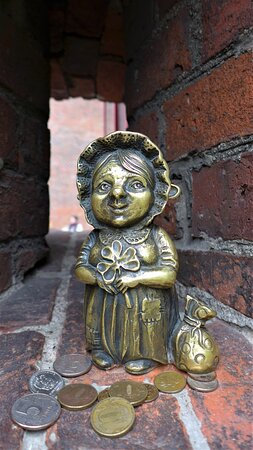 Скульптура Бабушка Хомлин