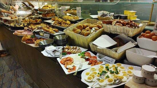 glorious buffet