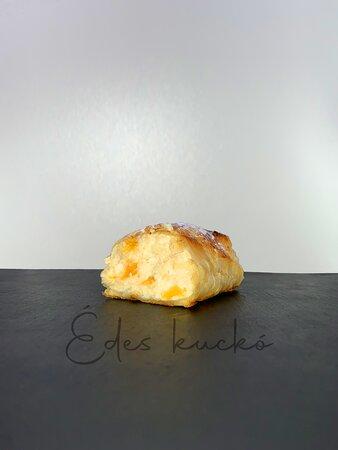 Túrós-Barackos Rétes Cottage Cheese-Peach Strudel