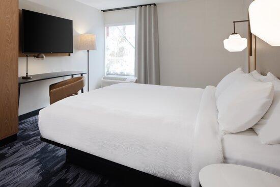 Marriott Bedding , Large Workspace, Large TV