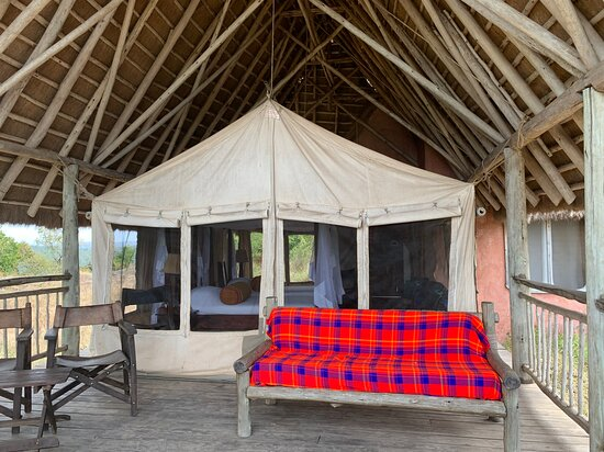 Lake Mburo National Park, Ουγκάντα: Where I spent the afternoon. On the back deck.
