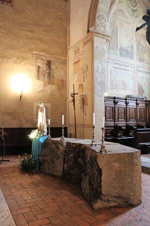 L'antico altare