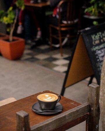 Você pode também tomar o seu cappuccino ao ar livre