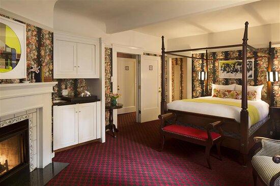 White Swan Abbey Suite Bedroom