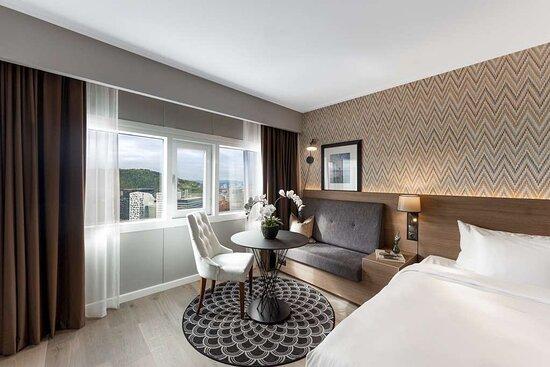 Suite - Panoramic Fjord View