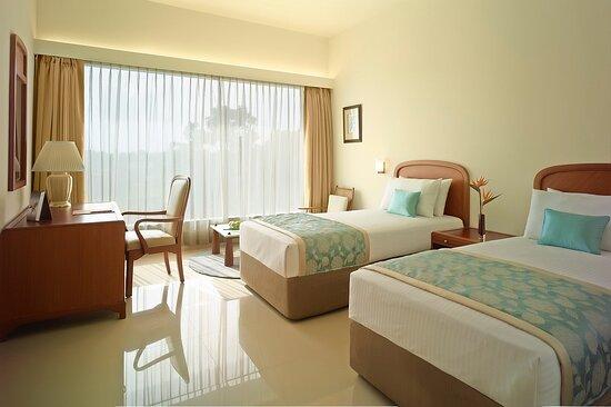 Gateway Gondia Superior Room Twin