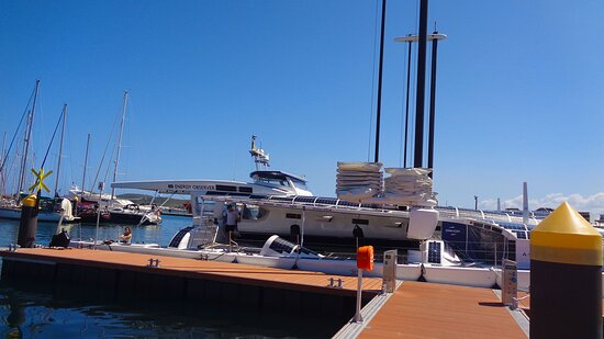 🔶🔆 ENERGY OBSERVER SAIL BOAT 🔆🔶⚇ PORT MOSELLE Harbor  🔱⚇ ▪▫ Nouméa City 🔹New Caledonia 🔹
