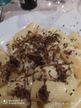 mezze maniche al tartufo