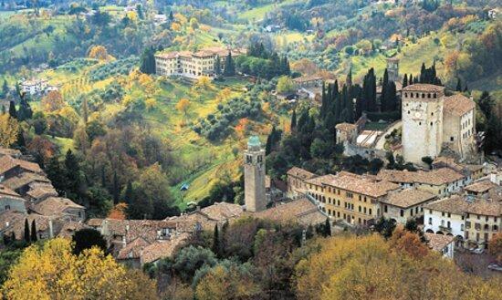 ASOLO and PROSECCO DAY TOUR: Montello, Asolo