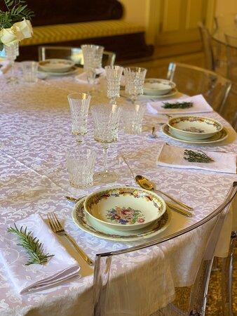 Bolonia, Italia: Table Set